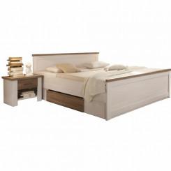 Luxusní postel s nočními...