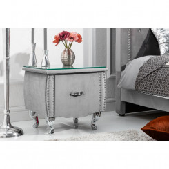 Luxusní noční stolek...